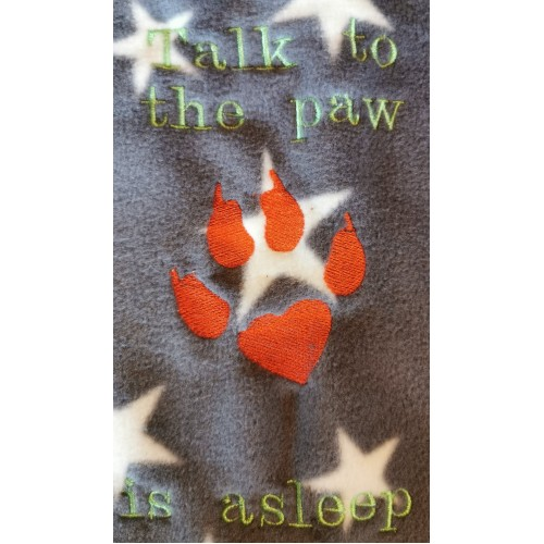 Cat talk to the paw blanket